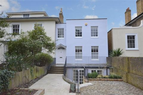 4 bedroom semi-detached house to rent - Pond Road, London, SE3
