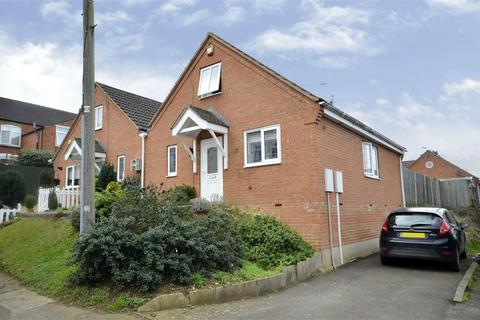 3 bedroom semi-detached house for sale - Park Road, Raunds, Northamptonshire