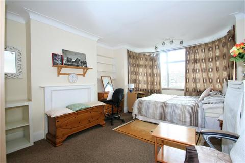 House share to rent - Watford Way, NW4, Hendon