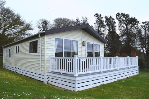 3 bedroom mobile home for sale - Whitecliff Bay, Bembridge, Isle of Wight, PO35 5PL