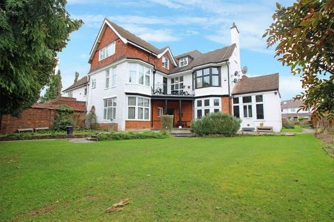 3 bedroom apartment for sale - Pampisford Road, South Croydon, Surrey