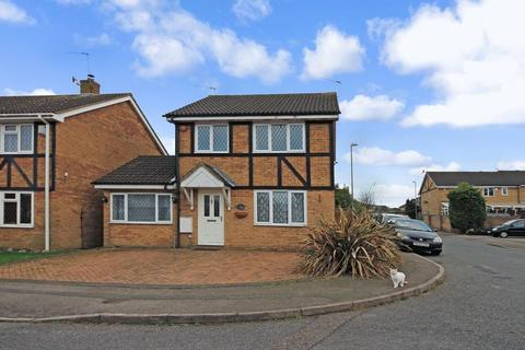 3 bedroom detached house to rent - Swan Mead, Luton