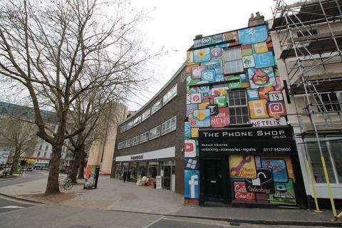 Studio to rent - Kings Square Avenue, Bristol, BS2