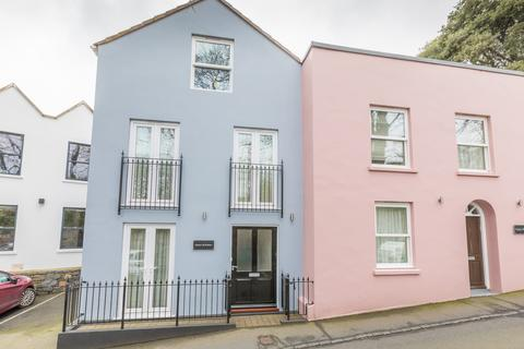 3 bedroom terraced house to rent - Upland Road, St. Peter Port, Guernsey