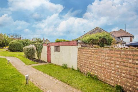3 bedroom property with land for sale - Beatrice Road, Kettering