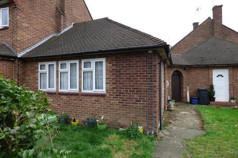 1 bedroom bungalow to rent - Thirston Path, Borehamwood