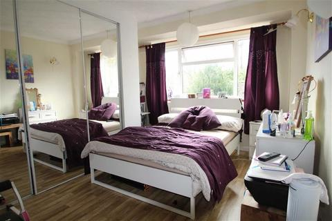 1 bedroom house share to rent - Colne Avenue, West Drayton