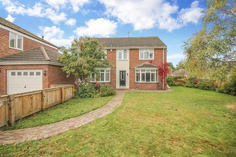 4 bedroom semi-detached house for sale - Greenriggs Avenue, Newcastle Upon Tyne