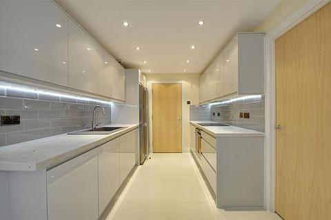 3 bedroom apartment for sale - Holland Gardens, Brentford