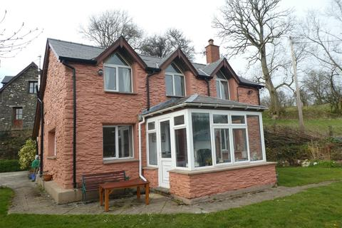 5 bedroom property with land for sale - Llanllwni, Carmarthenshire