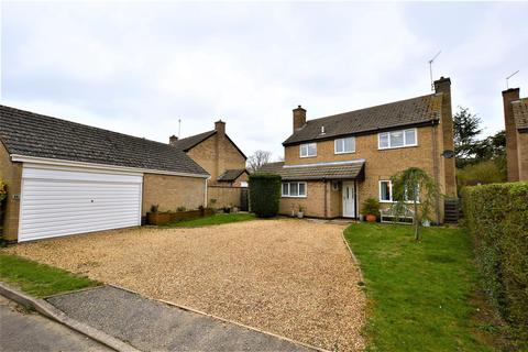 4 bedroom detached house for sale - Lindsey Close, Woodnewton, Peterborough