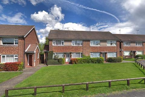 2 bedroom maisonette for sale - Pentland Road, Bushey