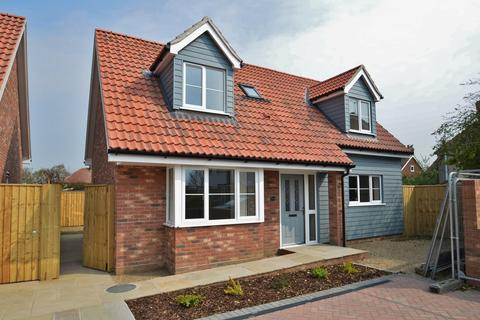 2 bedroom chalet for sale - James Boden Close, Felixstowe