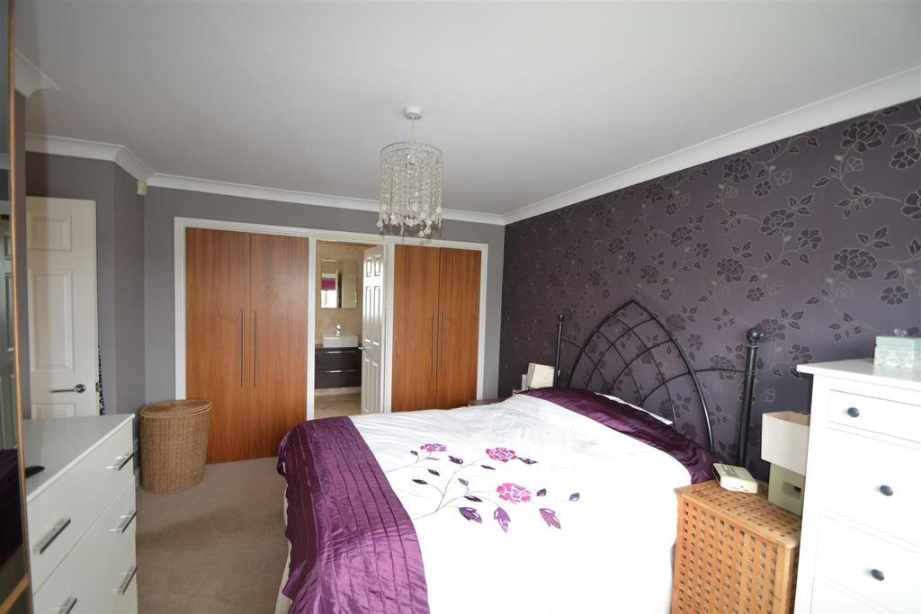 14 Holmwood main bed .JPG