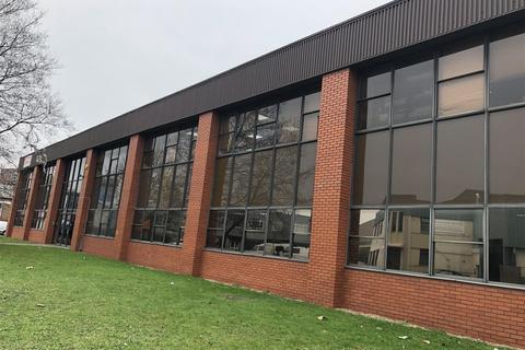 Warehouse to rent - Kendal Avenue, Park Royal W3 0AF