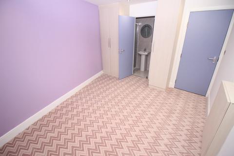 Studio to rent - Old Park Mews, Hounslow, TW5