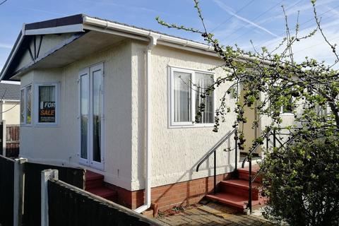 2 bedroom mobile home for sale - Willow Park, Mancot