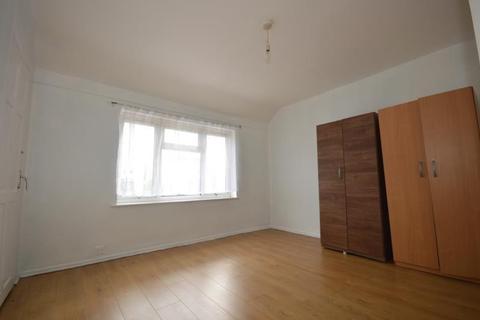 3 bedroom terraced house to rent - Sheppey Road, Dagenham, Essex, RM9