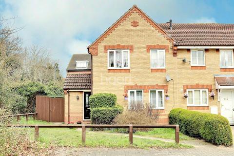 3 bedroom semi-detached house for sale - Yarrow Close, Thetford, IP24 2TZ