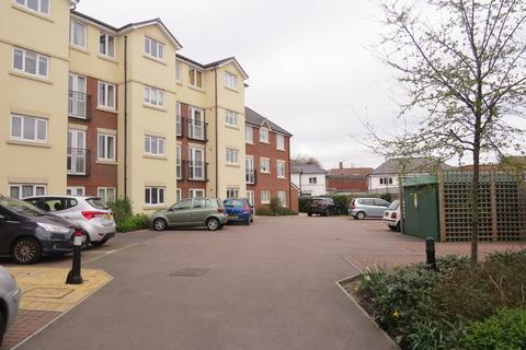 2 bedroom flat - Atkins Lodge, High Street, Orpington
