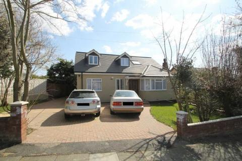 5 bedroom detached house to rent - Engel Park, Mill Hill, London NW7 2HE