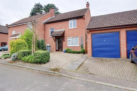 3 bedroom semi-detached house for sale - Irwin Close, Reepham, Norwich