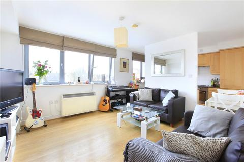 2 bedroom flat to rent - Wallace Court, Balham High Road, London, SW17
