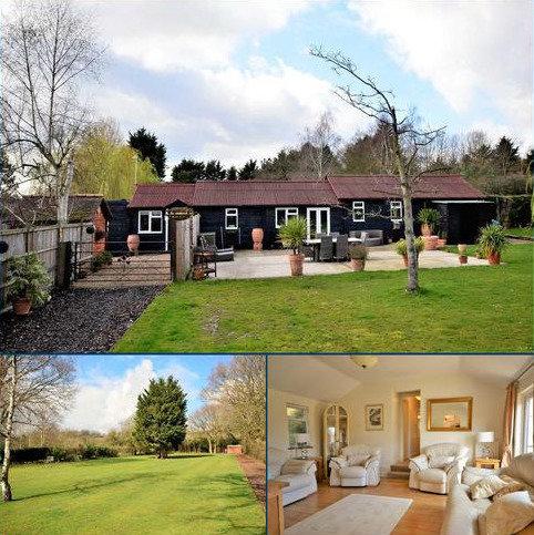 2 bedroom detached bungalow for sale - Ramsden Park Road, Ramsden Bellhouse, Billericay