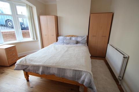 1 bedroom house share to rent - colburne road, high wycombe HP13