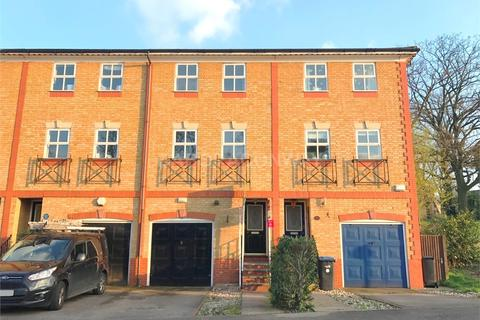 4 bedroom townhouse to rent - Macleod Road, N21