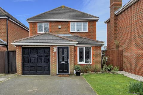 3 bedroom detached house for sale - Petrel Close, Beltinge, Herne Bay, Kent