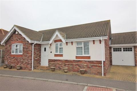 2 bedroom detached bungalow for sale - Bramble Way, Great Clacton, Clacton on Sea