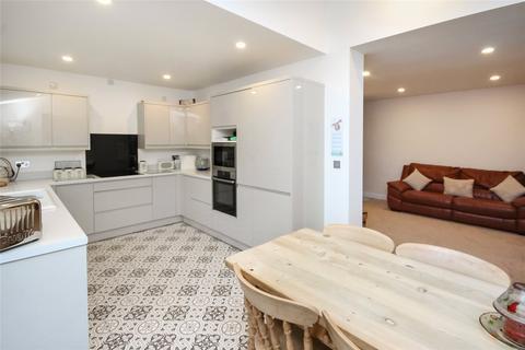 4 bedroom semi-detached house for sale - Churchward Avenue, Rodbourne Cheney, Swindon, Wiltshire, SN2