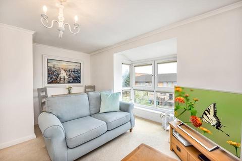 1 bedroom flat for sale - Warlingham House, Varcoe Road, London SE16