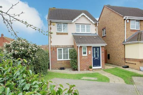 3 bedroom detached house for sale - Canons Gate, Cheshunt