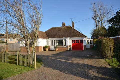 3 bedroom detached bungalow for sale - Seaway Crescent, St Mary's Bay