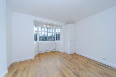 2 bedroom flat to rent - 12a Royal Parade