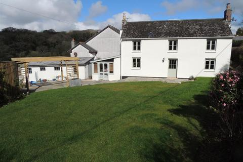 3 bedroom farm house for sale - Coombe