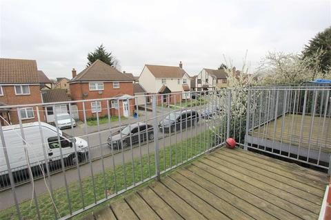 2 bedroom flat for sale - Westwood Road, Seven Kings, Essex, IG3