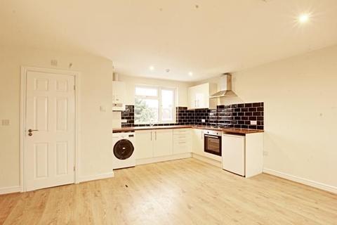 1 bedroom flat to rent - Elm Gardens, Mitcham