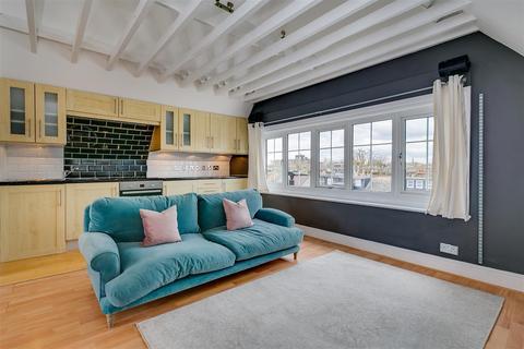 1 bedroom flat to rent - Top Floor Flat, Chiswick, London