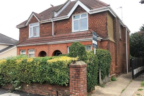 Studio to rent - Windham Road, Bournemouth, BH1
