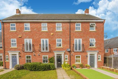 4 bedroom townhouse for sale - Patenall Way, Higham Ferrers, Rushden