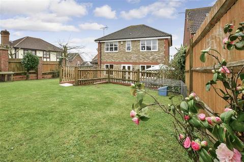 3 bedroom detached house for sale - Elmhurst Close, Ashford, Kent