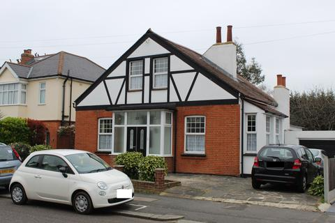 4 bedroom detached house for sale - Lawrence Road
