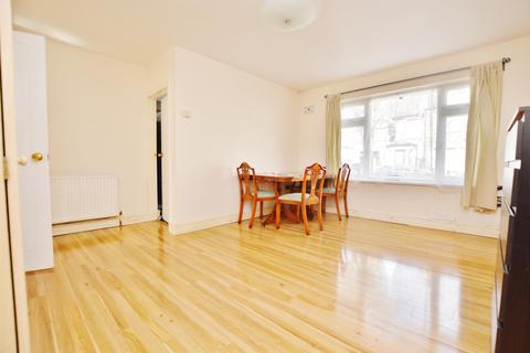 2 bedroom flat to rent - Chadwin Road, London, E13