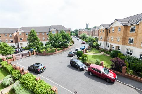3 bedroom flat to rent - Hampstead Drive, Whitefield, Manchester
