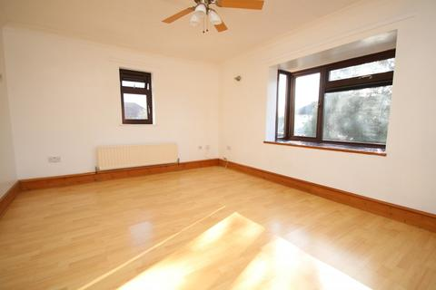 2 bedroom house to rent - Tennyson Road, Chelmsford, CM1