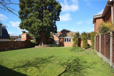 4 bedroom detached house for sale - Old Vicarage Gardens, Henlow, SG16