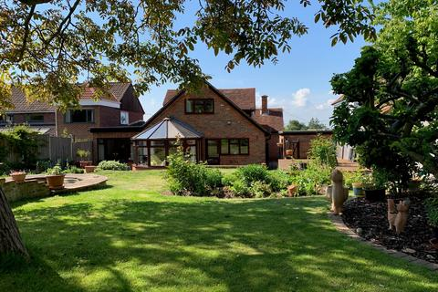 5 bedroom chalet for sale - Woodhill Road, Danbury, CM3